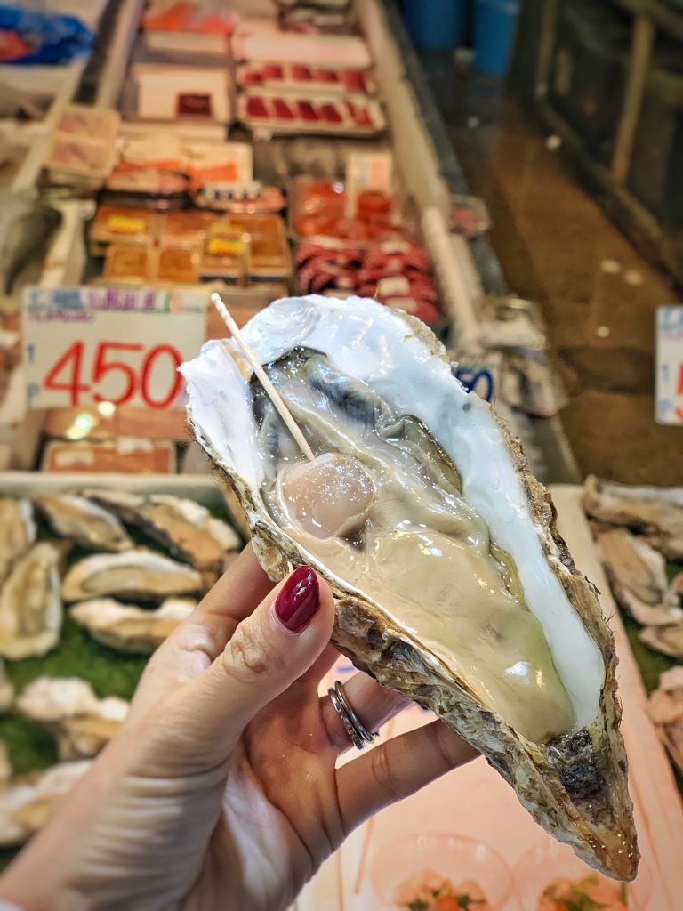 Hokkaido Oyster Tsukiji Market